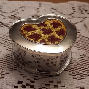 Silver heart Maple Leaf jewellery box